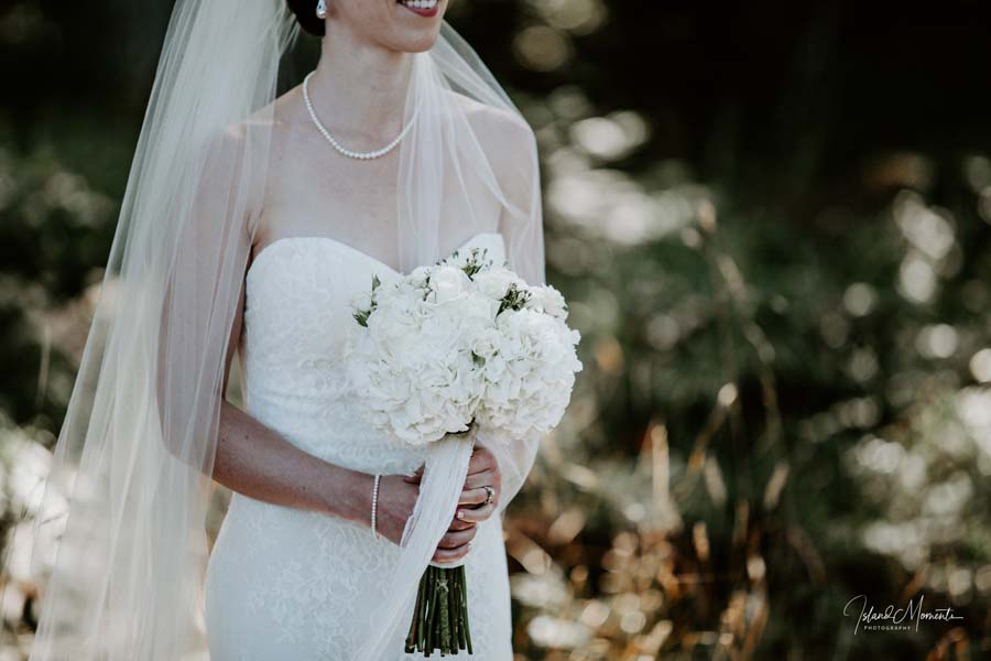 White bridal bouquet by Parksville florist Petal and Kettle, photo by Island Moments