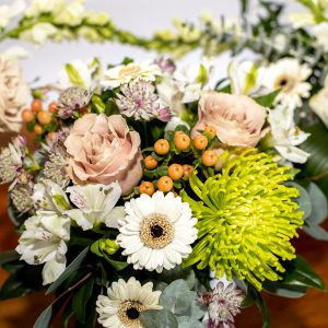flower vase arrangements from Parksville Qualicum Beach flower delivery company petal and kettle florist
